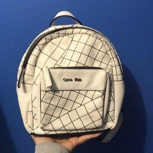 Calvin Klein 2/50$